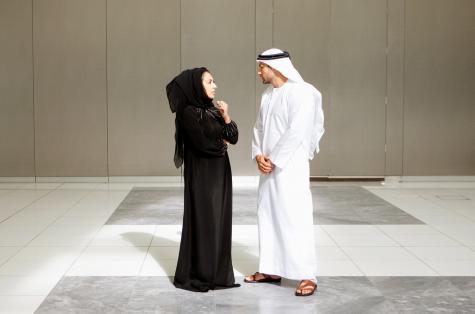 Фото №2 - Житель ОАЭ подал на развод, увидев жену без макияжа