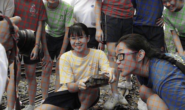 Фото №1 - Оптическая иллюзия: на самом деле это фото черно-белое