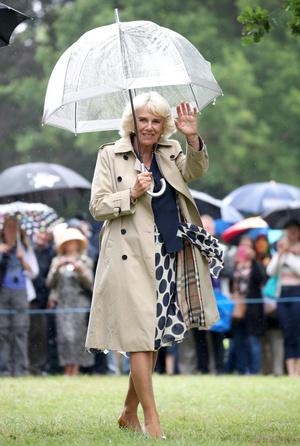 Фото №10 - Выбирая классику: как королевские особы носят тренчи