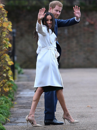 Фото №10 - От Елизаветы II до герцогини Кейт: любимые обувные бренды королевские особ