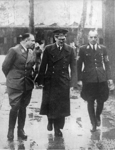 Мартин Борман и Гитлер