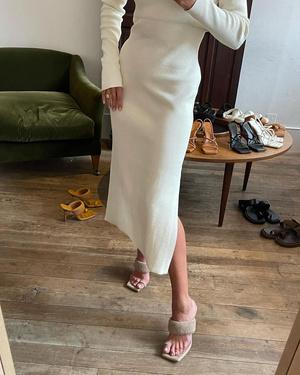 Фото №9 - Модель Роузи Хантингтон-Уайтли представила первую коллекцию обуви. Предупреждаем: вы захотите все четыре пары!
