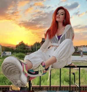 Фото №18 - TikTok style: разбираем гардероб девочек из Sweet House