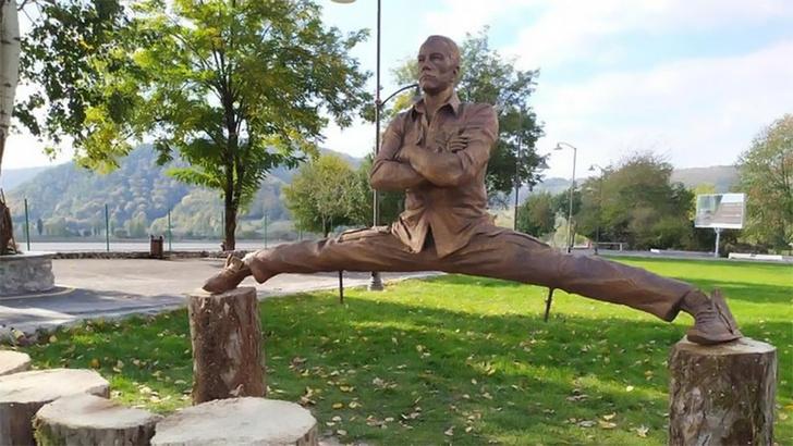 Фото №7 - 13 фактов о ходячей мышце по имени Жан-Клод Ван Дамм