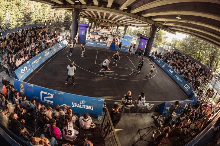 Фото №1 - Пора болеть за наших на мировом финале турнира по уличному баскетболу!