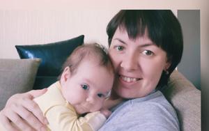 Фото №19 - Раньше взрослели быстрее? 30 фото советских мам и их дочек в одном возрасте