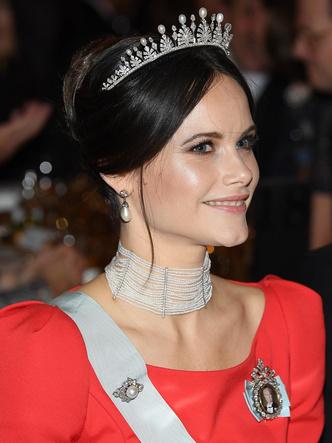 Фото №5 - Принцесса из сказки: самые эффектные выходы Софии Шведской в тиарах