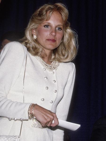 Фото №1 - Даст фору Мелании: как белокурая модель Джилл стала первой леди США
