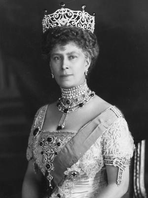 Фото №8 - Полный комплект: самые роскошные парюры британской королевской семьи