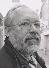 Андрей Дмитриев, сценарист и прозаик, лауреат Большой премии имени Аполлона Григорьева за повесть «Дорога обратно» (2003), неоднократно входил в шорт-лист Букеровской премии.