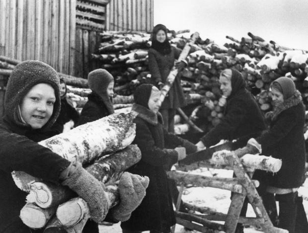 Фото №13 - Этот День Победы: как советский народ жил, любил и ждал все 1418 дней войны