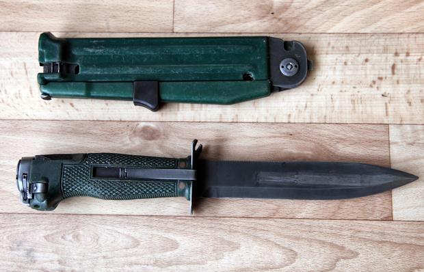 Фото №3 - Стреляющий нож для гражданина Бонда