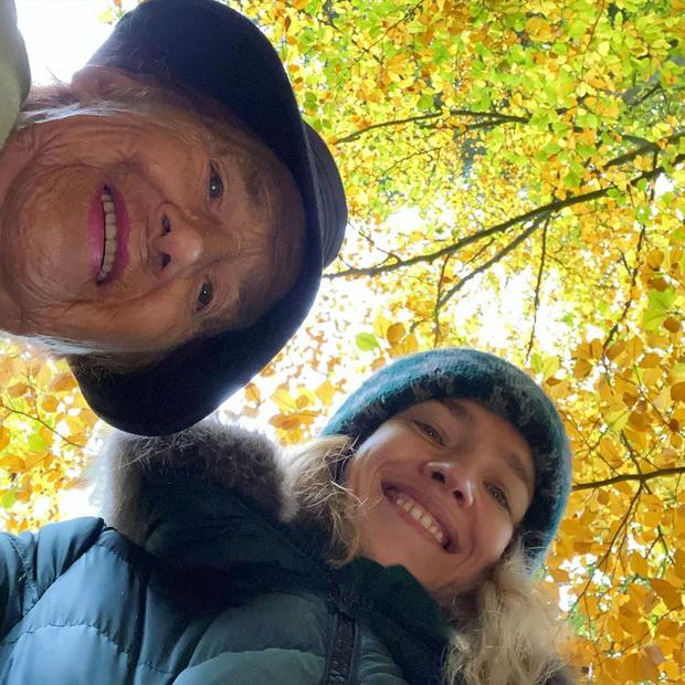 Фото №1 - Наталья Водянова показала свою 91-летнюю бабушку