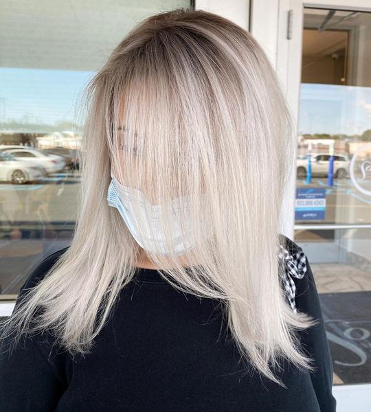 Фото №2 - Такой разный пепельный блонд: 20 оттенков и причесок 😍