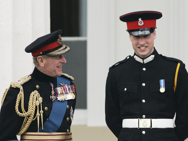 Фото №3 - Какими были отношения принцев Филиппа и Уильяма все эти годы