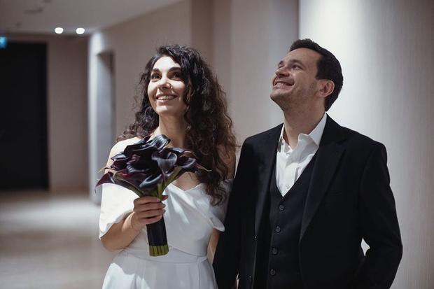 Фото №3 - Бывший бойфренд Собчак женился на певице, которую не видел своей женой