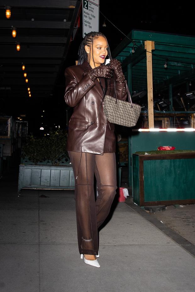 Фото №3 - Никто не носит кожаные и прозрачные вещи так изящно и провокационно, как это делает Рианна