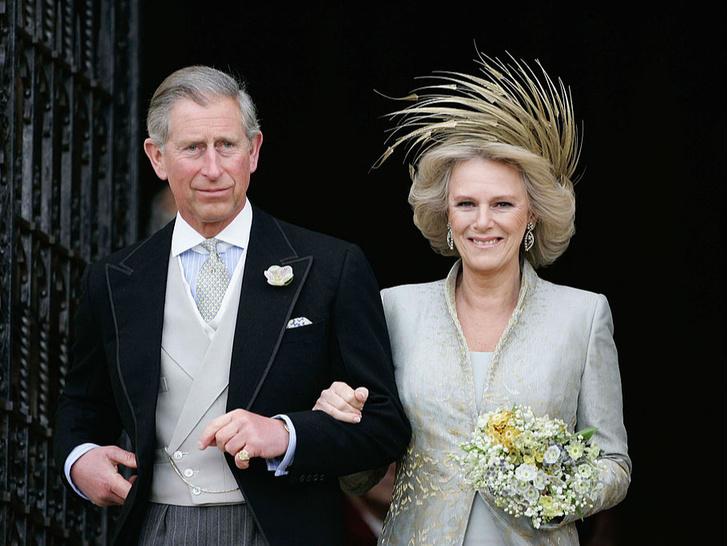 Фото №4 - Забытое украшение: почему герцогиня Камилла не носит тиару, подаренную Королевой