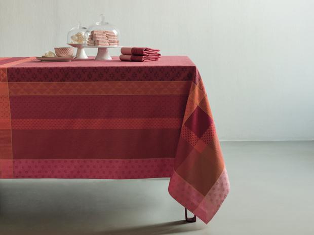 Фото №3 - Выбираем скатерть: 10 вариантов для весенней сервировки