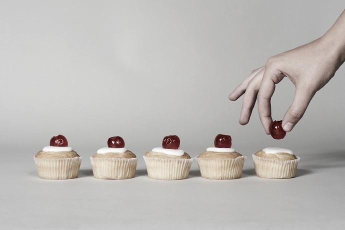 Положительные эмоции: торт или вишенка?