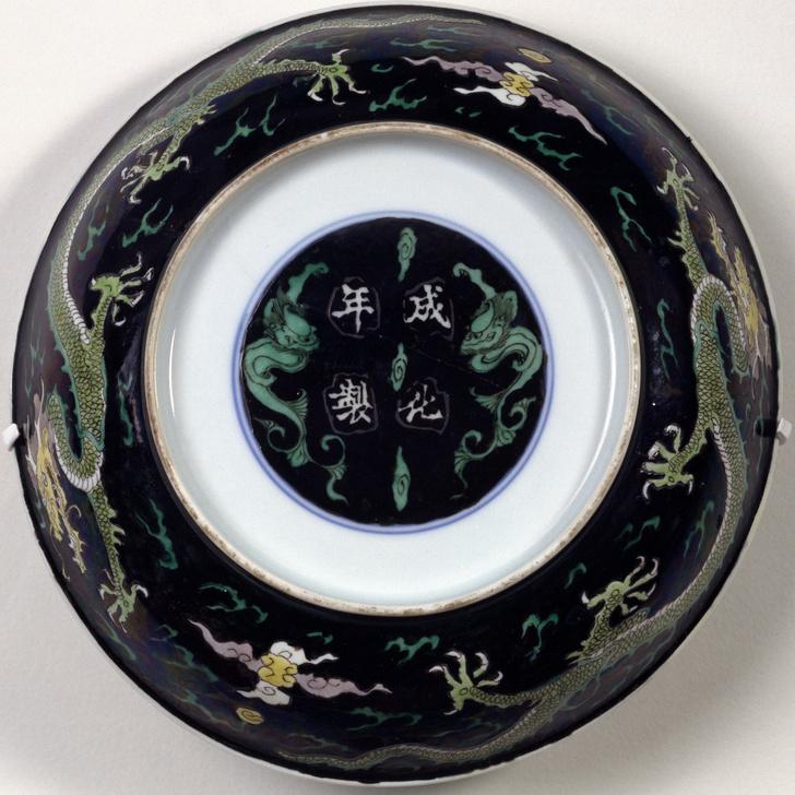 Фото №2 - Аристократ от керамики: 5 интересных фактов о фарфоре