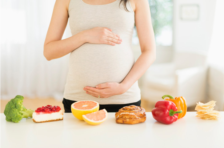 Фото №1 - Испытано на себе: питание будущей мамы по триместрам