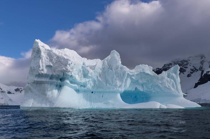 Фото №1 - Почему Арктика теплее Антарктики?