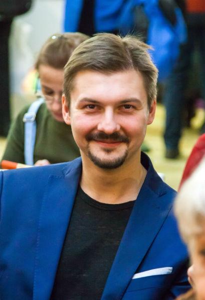 Фото №17 - Играя, сердце разбивают: двенадцать омских актеров-красавцев. Голосуем!