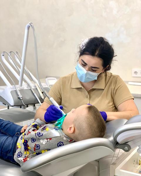 Фото №3 - Зубная фея из кошмаров: детского стоматолога из Ровно обвиняют в издевательствах над маленькими пациентами
