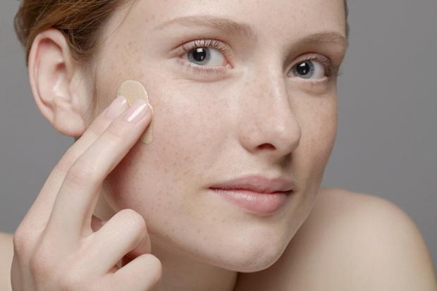 Фото №2 - Работа над ошибками: делаем макияж правильно