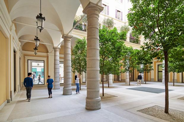Фото №2 - Новый бутик Apple в Риме по проекту Foster + Partners