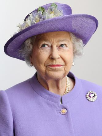 Фото №9 - Самый мистический камень: лучшие выходы королевских особ в аметистах