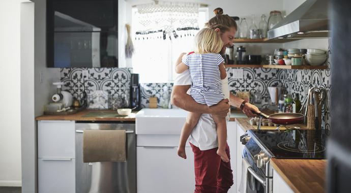 Растить ребенка в одиночку