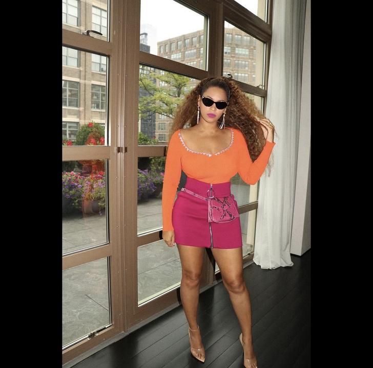 Фото №2 - Оранжевый + малиновый: Бейонсе исповедует новое сладкое сочетание цветов