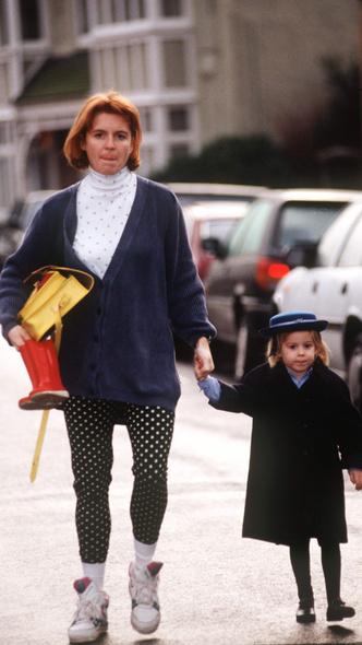 Фото №13 - Полька-дот: как королевские особы носят трендовый «горох»