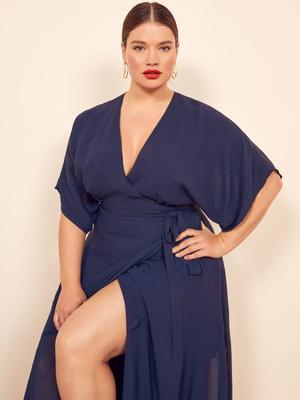 Фото №12 - Как одеваться женщинам с большой грудью: 7 модных советов