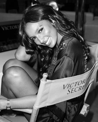 Фото №1 - «Ангелов больше нет»: вспоминаем самые громкие скандалы Victoria's Secret 💥