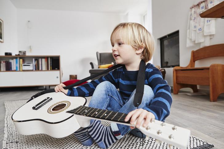 Фото №1 - Сколиоз и тугоухость: как еще занятия музыкой могут вредить ребенку