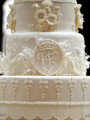 Фото №3 - Зачем Кейт и Уильям хранили свой свадебный торт семь лет (и для чего он им пригодился)