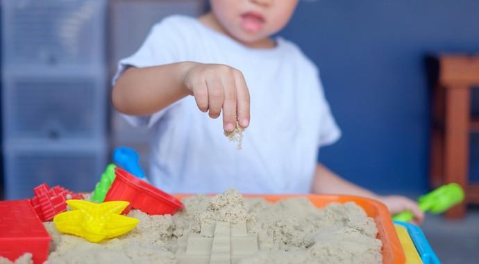 «Ты не достроил на песке»: игры для развития речи ребенка
