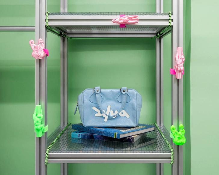 Фото №9 - Яркий магазин одежды, вдохновленный «Алисой в стране чудес»