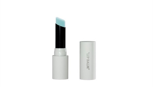Бренд Off-White представил первую коллекцию макияжа