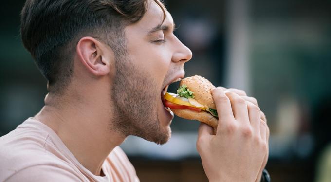 Накорми свою тень: как перестать бороться с едой?