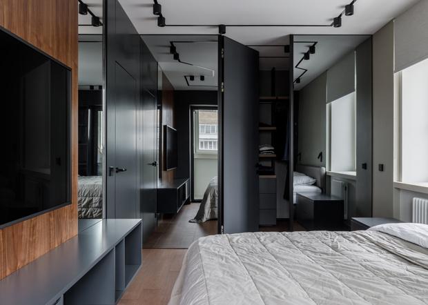Фото №10 - Квартира в оттенках темного графита для музыканта