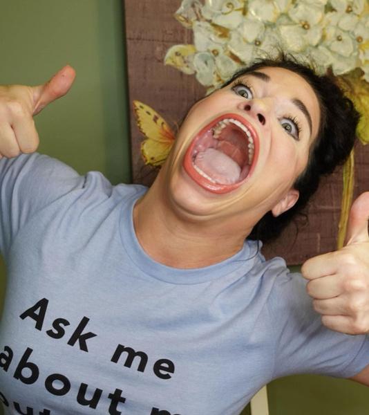 Блогерша с самым большим ртом рассказала, как ее травили в школе. Сейчас она стала звездой