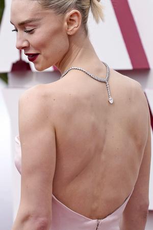 Фото №13 - Драгоценный «Оскар-2021»: самые роскошные украшения премии