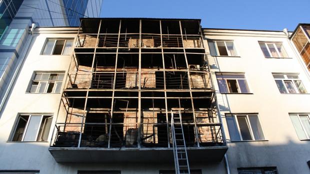 Фото №1 - Жителей дома-памятника на Вайнера решили выселить из-за ремонта