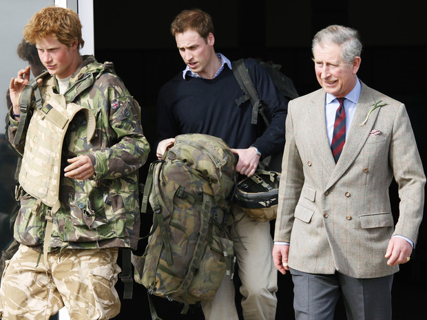 Фото №3 - Щекотливый вопрос: что всегда осложняло отношения Гарри и Уильяма с отцом