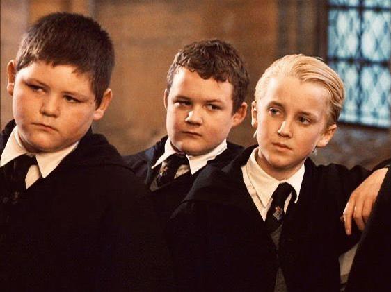 Фото №1 - Том Фелтон продолжает пересматривать «Гарри Поттера» вместе с фанатами 🤩