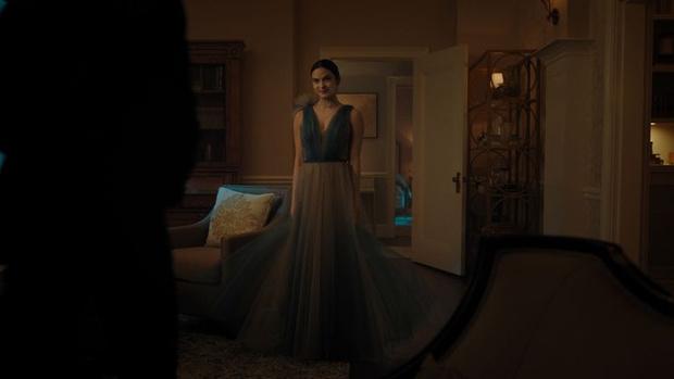 Фото №6 - Где купить такие же платья на выпускной, как у главных героинь сериала «Ривердейл» 💔